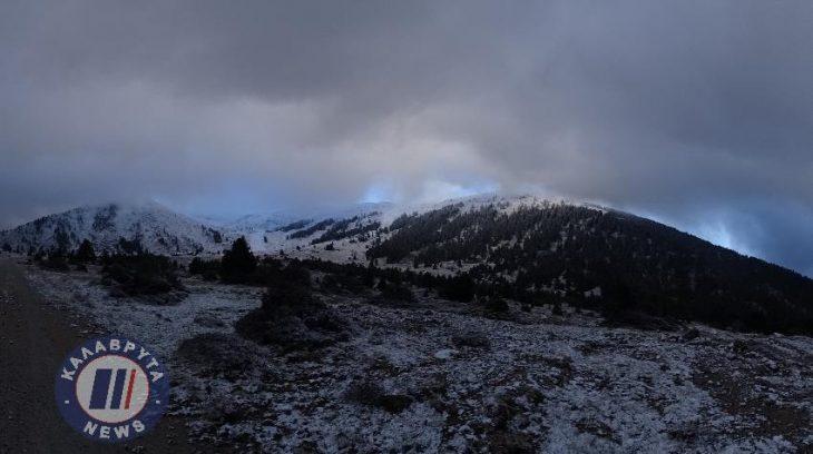 Καλάβρυτα χιόνια: Έπεσαν τα πρώτα χιόνια