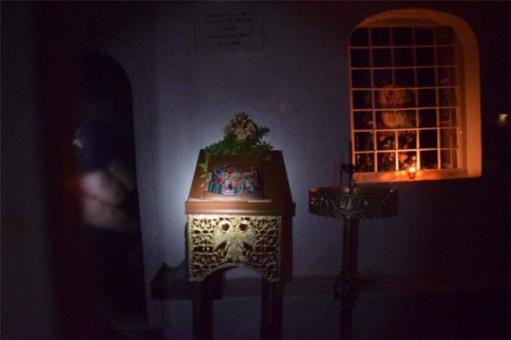 Ύδρα: Καταγγελία πολίτη για παραβίαση σε ιδιωτικό εκκλησάκι από ιερέα