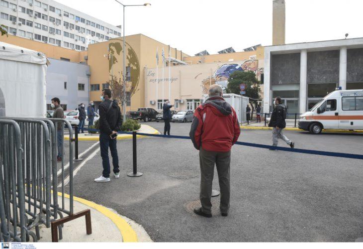 Θεσσαλονίκη rapid test: Πλήθος πολιτών σπεύδουν στο ΑΧΕΠΑ για τεστ