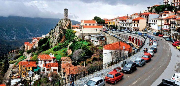 Κορονοϊός lockdown: Δεκάδες Αθηναίοι συρρέουν στην Αράχωβα