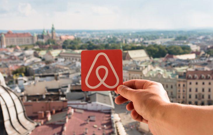 Κρατήσεις Airbnb: Η ζήτηση για τις διακοπές Χριστουγέννων είναι μεγάλη