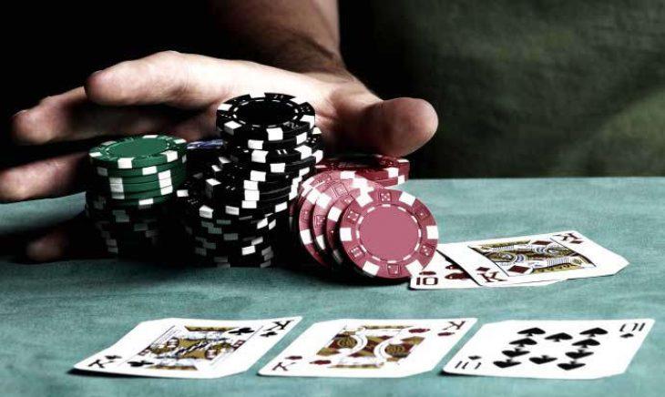 Γιαννιτσά: 6 άτομα έπαιζαν παράνομα τυχερά παιχνίδια μέσα στο lockdown