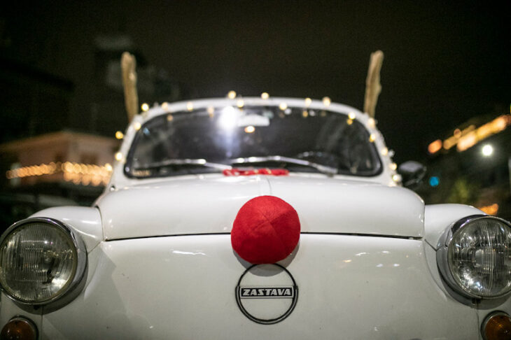 Θεσσαλονίκηαυτοκίνητο: Αντίκα κυκλοφορεί σαν το Ρούντολφ το ελαφάκι