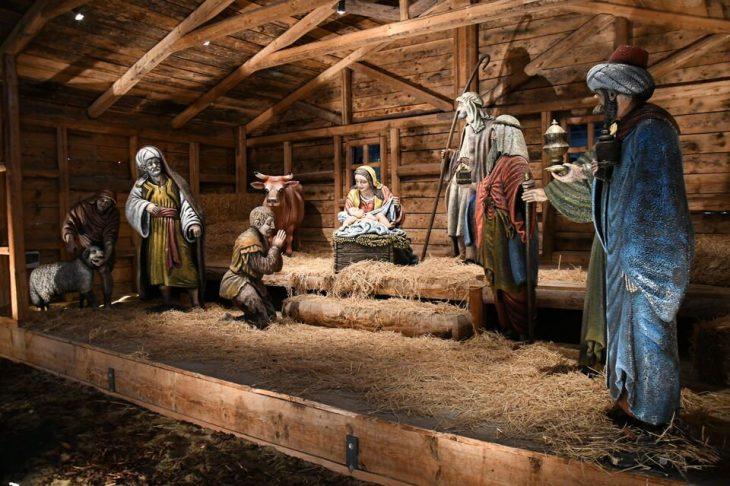 Πάτρα: Φωταγωγήθηκε το χριστουγεννιάτικο χωριό στο κέντρο της πόλης