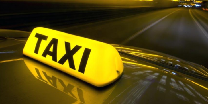 ΕΛΑΣ πρόστιμο: Πρόστιμο σε ζευγάρι που επέβαινε στο ίδιο ταξί
