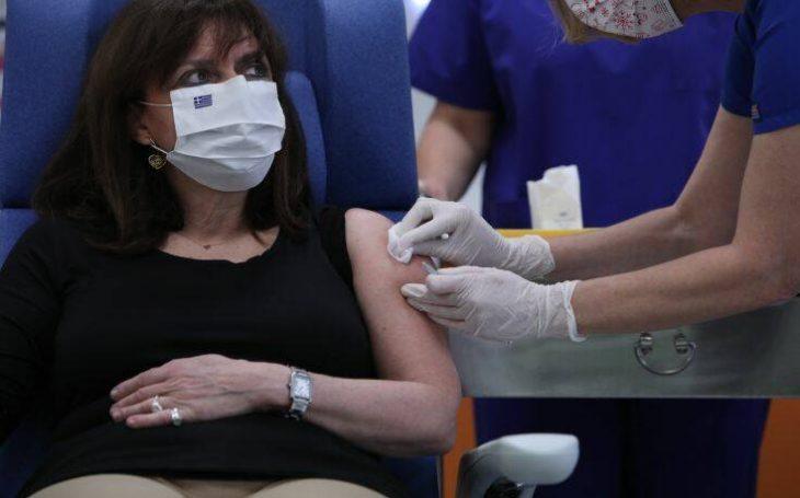 Εμβολιασμοί κορονοϊού: Ξεκίνησαν οι εμβολιασμοί στη χώρα μας