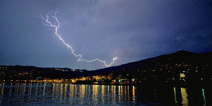 Πρόγνωση καιρού 7/12: Κακοκαιρία με βροχές και καταιγίδες στη χώρα