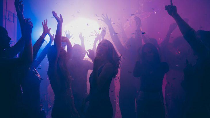 Χαλκίδα: Ρομά έκαναν πάρτι με 30 άτομα σα να μην υπάρχει κορονοϊός