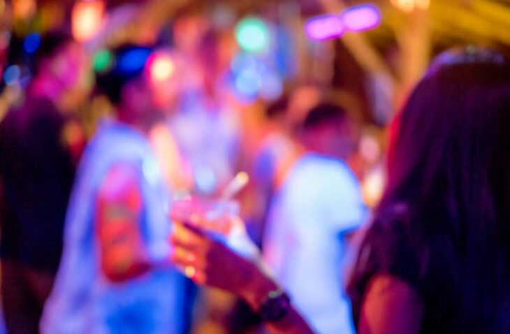 Κρήτη κορονοπάρτι: 34 προσαγωγές σε πάρτι βίλας στην Κρήτη