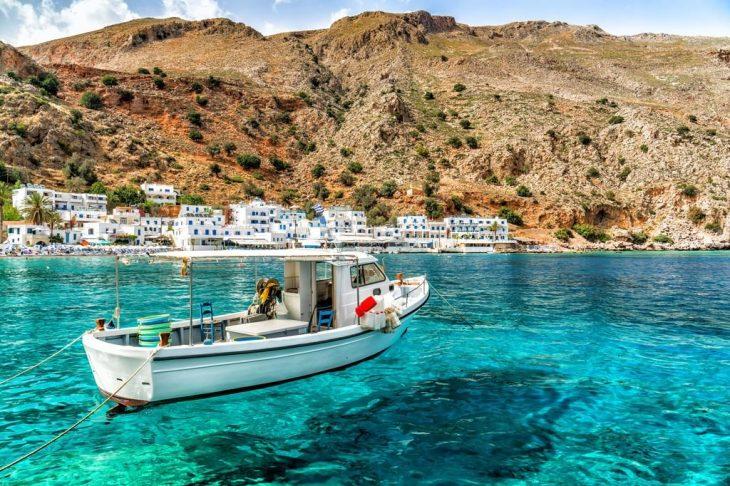 Βρετανοί: Η Κρήτη είναι ο δημοφιλέστερος προορισμός για διακοπές το 2021 για τους Βρετανούς