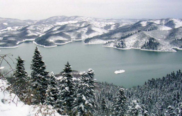 Λίμνη Πλαστήρα: Δείτε το εντυπωσιακό φαινόμενο του λευκού καπνού