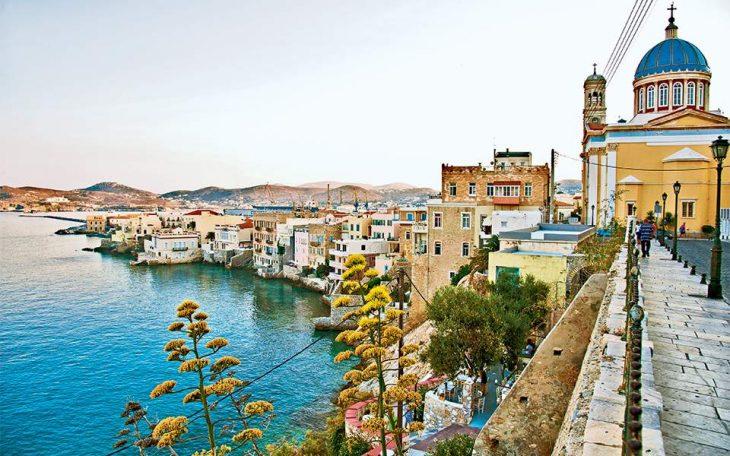 Conde Nast Traveller: Τα 23 ιδανικά ελληνικά νησιά για διακοπές το 2021