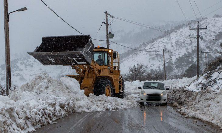 Λήμνος: Χιόνια έντυσαν το νησί στα λευκά - Δείτε βίντεο