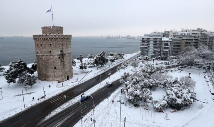 Χιόνια στη Θεσσαλονίκη: Βίντεο από τα πρώτα χιόνια που έφερε η Μήδεια
