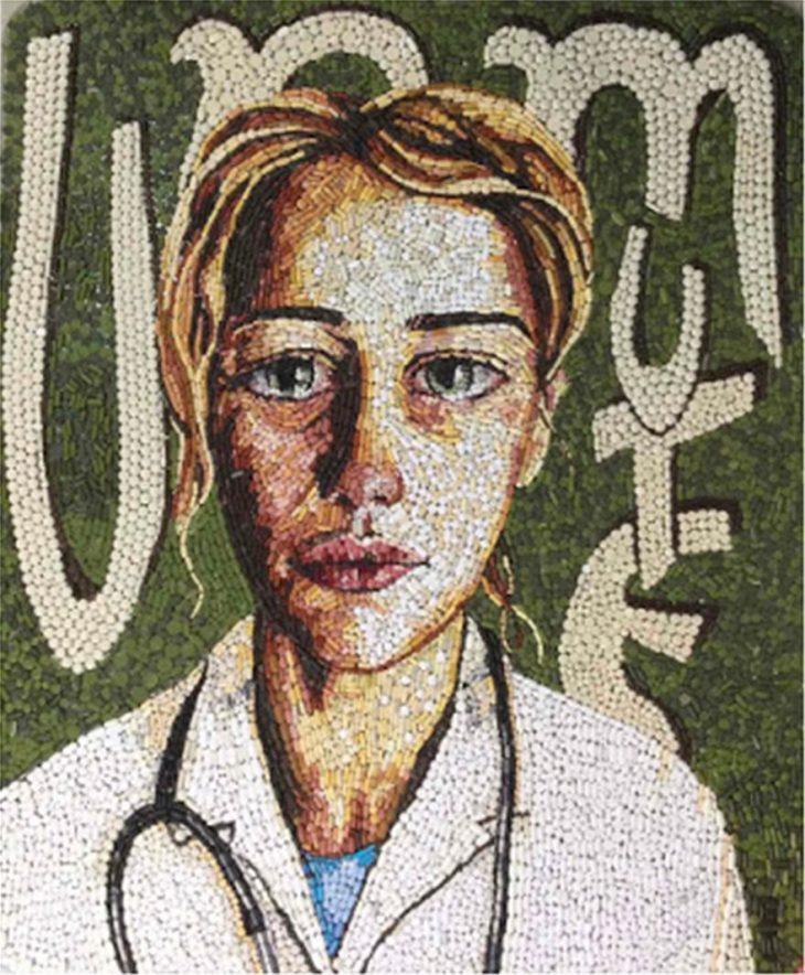 Ρέθυμνο Κρήτης: Γιατρός φτιάχνει ψηφιδωτά με ληγμένα χάπια