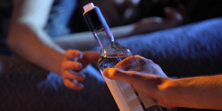 Βούλα Αττικής: Τρία 15χρονα παιδιά αναίσθητα από το αλκοόλ σε σχολείο
