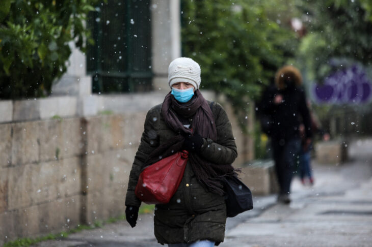 Κακοκαιρία στην Αθήνα: Εντυπωσιακές εικόνες από το Σύνταγμα
