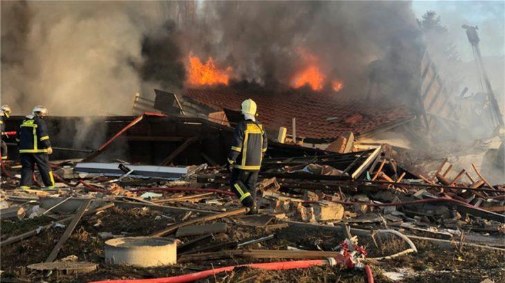 Καστοριά: Μεγάλη έκρηξη στο ξενοδοχείο «Τσάμης» - Κατέρρευσε