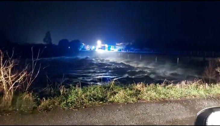 Κακοκαιρία Σάμος: Πλημμύρισε το Καρλόβασι - Κλειστά τα σχολεία