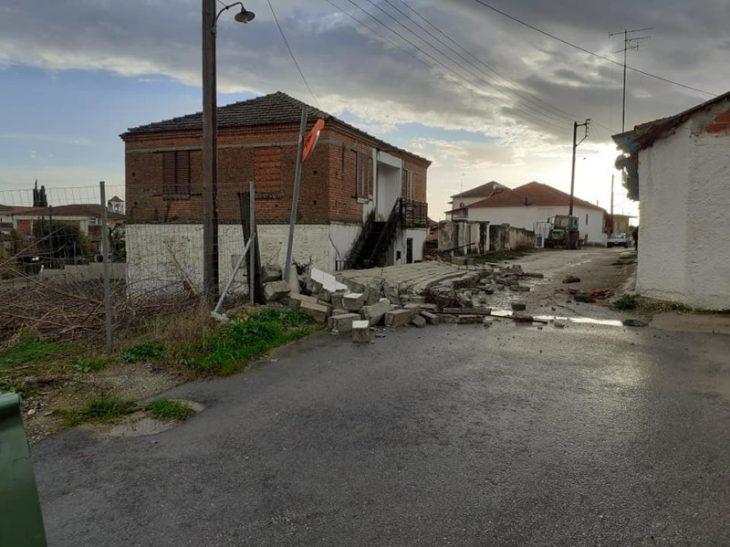 Καιρός Σέρρες: Ανεμοστρόβιλος προκάλεσε καταστροφές στην Τούμπα