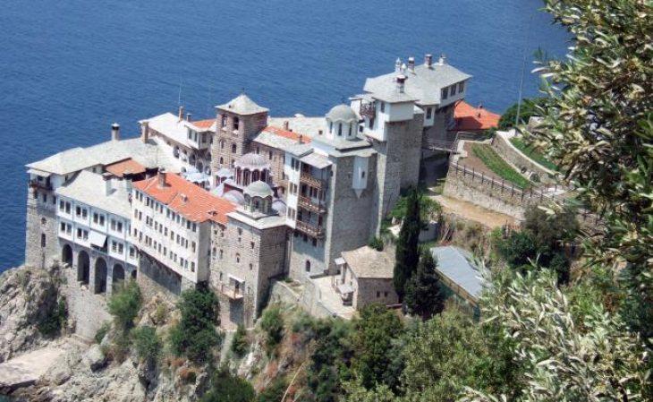 Άγιο Όρος: Συναγερμός με 20 θετικά κρούσματα κορονοϊού σε μοναχούς