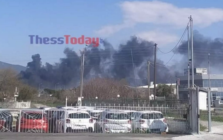 Θεσσαλονίκη φωτιά: Φωτιά ξέσπασε κοντά στο στρατιωτικό αεροδρόμιο