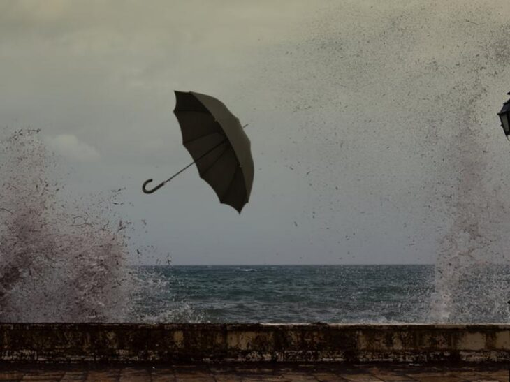 Πρόγνωση καιρού 22/3: Κακοκαιρία με βροχές, καταιγίδες και χιόνια