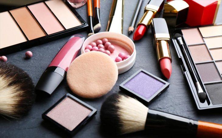 Σούπερ μάρκετ: Απαγορεύεται η πώληση καλλυντικών προϊόντων