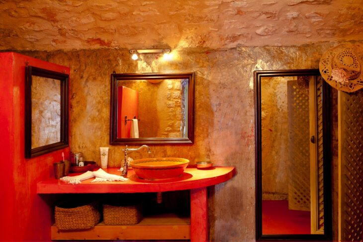Telegraph: Αυτά είναι τα 6 καλύτερα ξενοδοχεία στην Ελλάδα