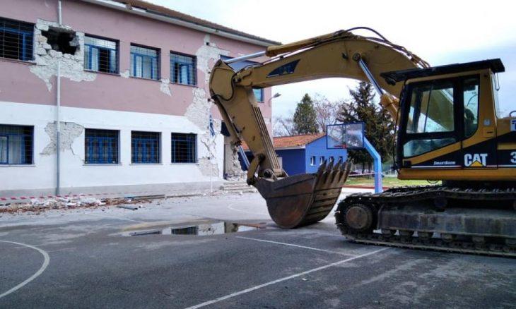 Δαμάσι Λάρισας: Ο διευθυντής χτυπάει το τελευταίο κουδούνι πριν να κατεδαφιστεί το σχολείο