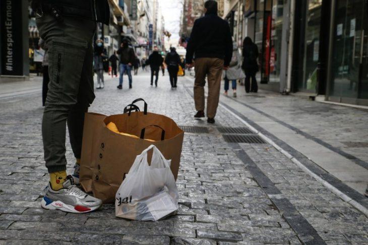Άρση lockdown: Σκέψεις για άνοιγμα σχολείων, λιανεμπορίου και εστίασης