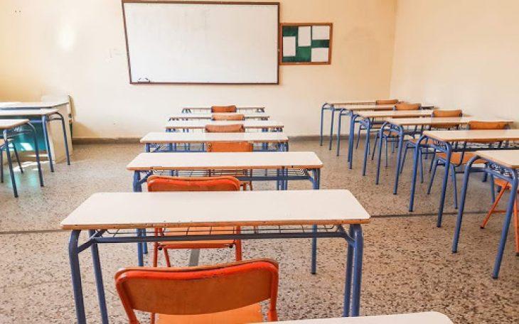 Σέρρες καταγγελία: Καθηγήτρια απέβαλε μαθητή για τον ήλιο του ΠΑΣΟΚ