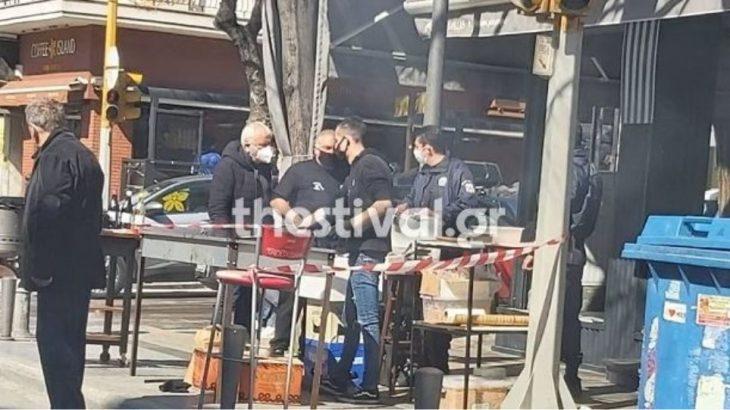 Θεσσαλονίκη: Πρόστιμο σε ψητοπωλείο που έψηνε στο πεζοδρόμιο