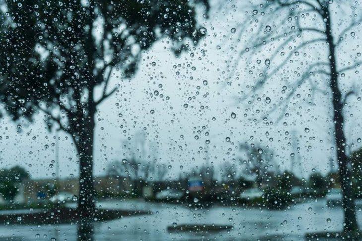 Πρόγνωση καιρού 18/3: Βροχές, καταιγίδες και χιόνια στα ορεινά σήμερα