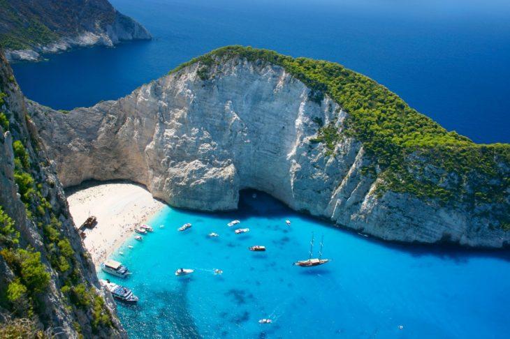 Skyscanner: Κορυφαία η Ελλάδα στις προτιμήσεις των Βρετανών