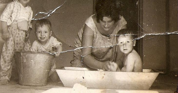 Μπάνιο στη σκάφη: Μια αγαπημένη συνήθεια της παλαιάς γενιάς