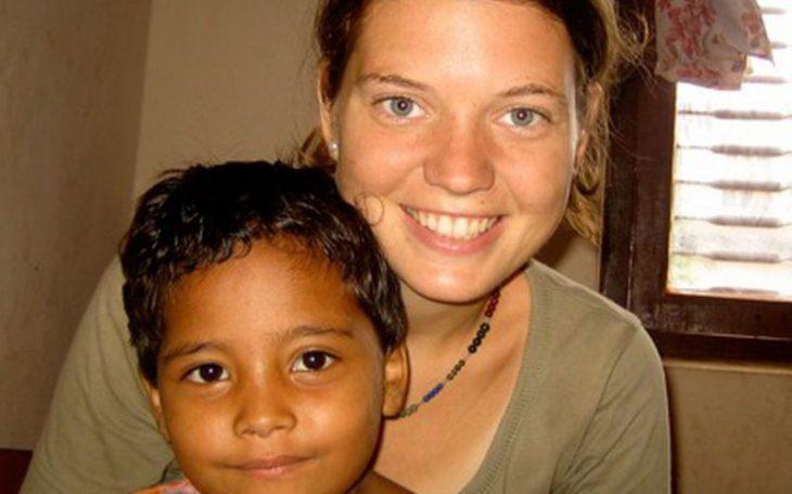 Μητέρα ορφανών: Η 23χρονη που αποφάσισε να αλλάξει τον κόσμο και το έκανε πράξη