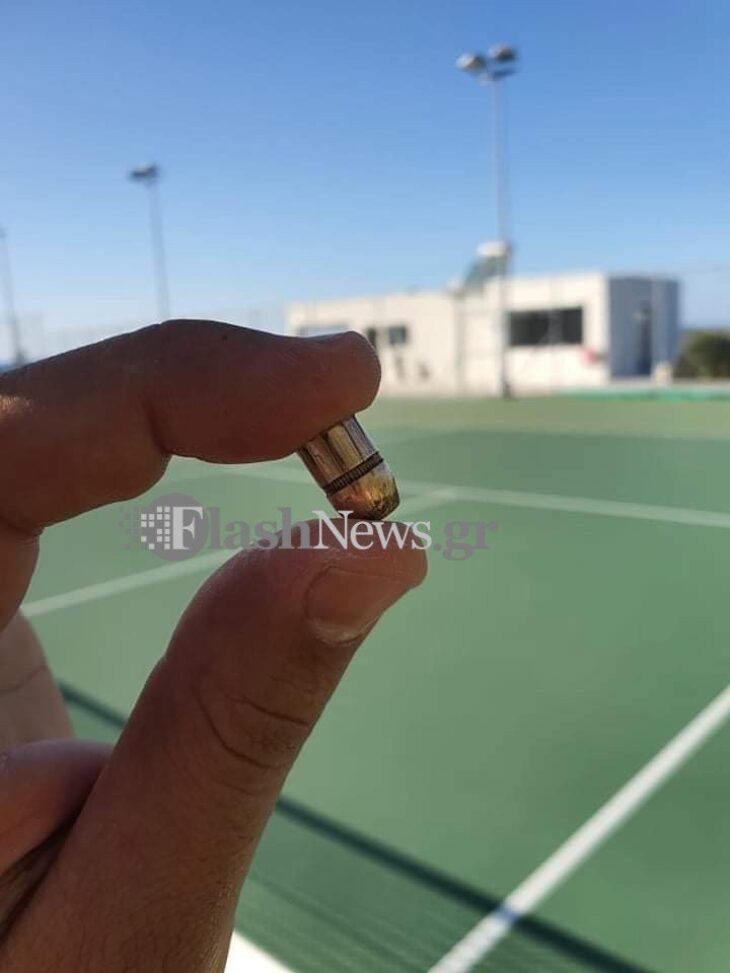 Σοκ στα Χανιά: Σφαίρα έπεσε από το πουθενά μέσα σε γήπεδο τένις