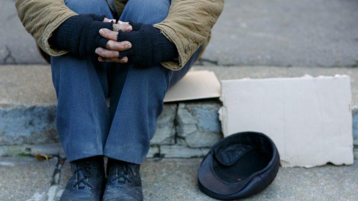 Αληθινή ιστορία: Φοιτήτρια έσωσε άστεγο δίνοντάς του φαγητό
