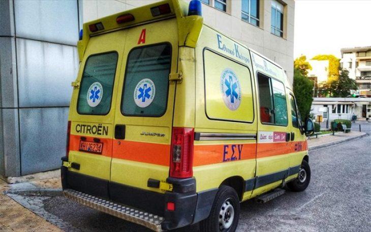 Λαμία σοκ: 54χρονος σφηνώθηκε ανάμεσα σε δύο οχήματα