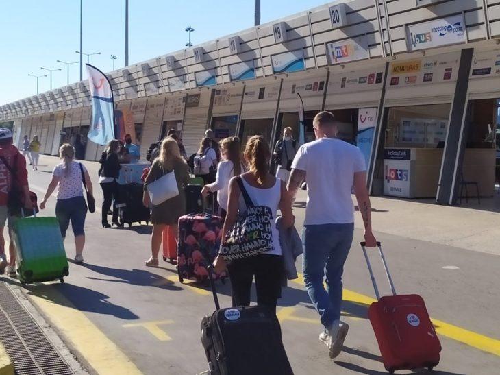 Ηράκλειο Κρήτης: Σοκ με το πρώτο θετικό κρούσμα σε Γερμανό τουρίστα