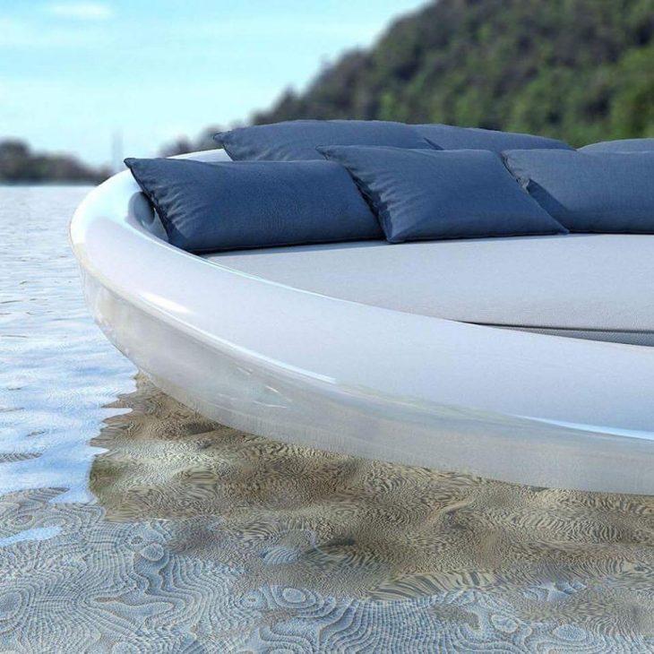 Καναπές που επιπλέει στο νερό: Είναι Ελληνικός και κοστίζει ελάχιστα