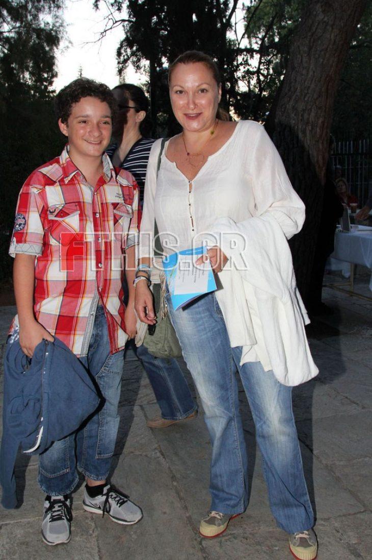 Ρένια  Λουϊζίδου γιος: Έκλεισε τα 21 και είναι ίδιος η μητέρα του
