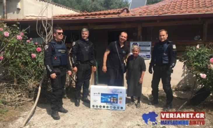 Αστυνομικοί της ομάδας ΔΙΑΣ δώρισαν τηλεόραση σε ηλικιωμένη θύμα κλοπής και μας συγκίνησαν όλους