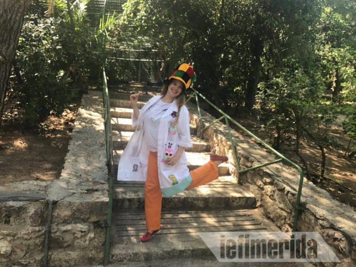 Μελένια: Η μοναδική γιατρός κλόουν στην Ελλάδα που έχει σκοπό να κάνει τα άρρωστα παιδιά να χαμογελούν