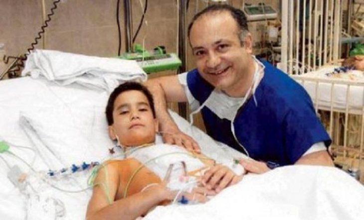 Αυξέντιος Καλαγκός: Ο γιατρός των φτωχών παιδιών - Έχει χειρουργήσει δωρεάν 14.000 παιδιά
