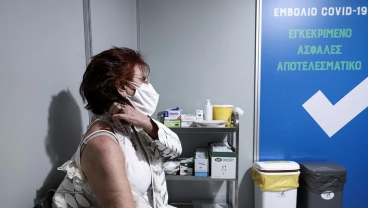 Λαμία γιατρός: Τους απέτρεπε από το να κάνουν το εμβόλιο