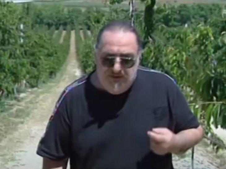 Βασίλης Καρράς: Άφησε το τραγούδι και έγινε αγρότης