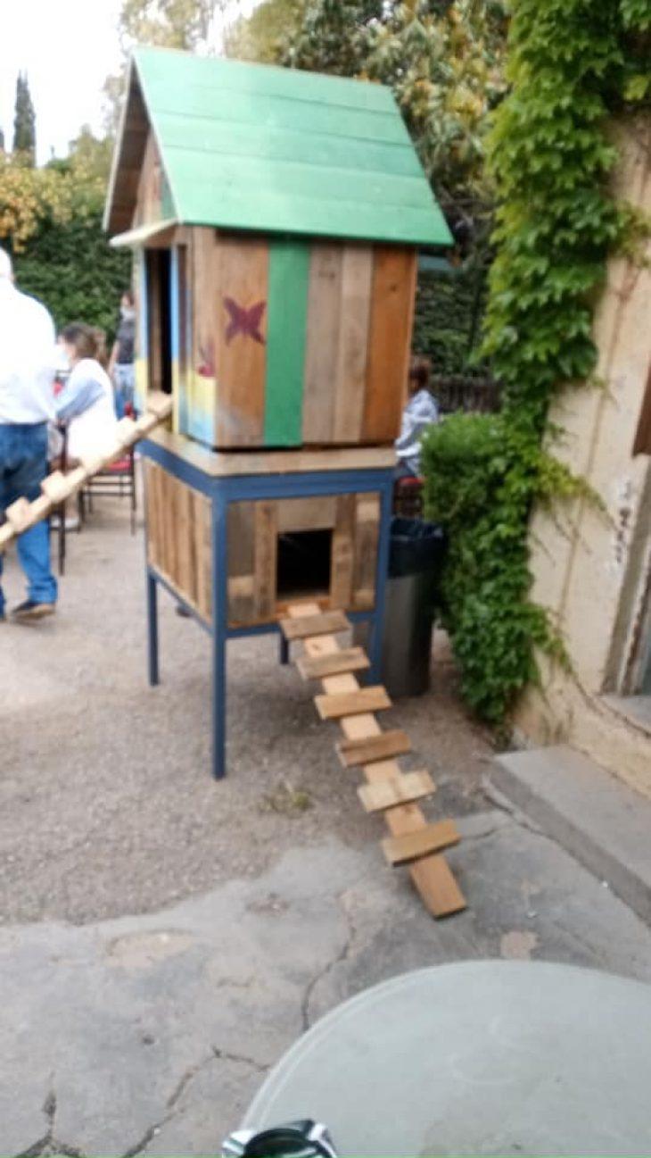 Δήμος Αιγάλεω: Ετοιμάζει ξύλινα σπιτάκια για τα αδέσποτα