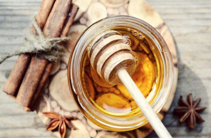 Μέλι και κανέλα: Πανίσχυρο φάρμακο για καρδιοπάθειες και αρθρίτιδες